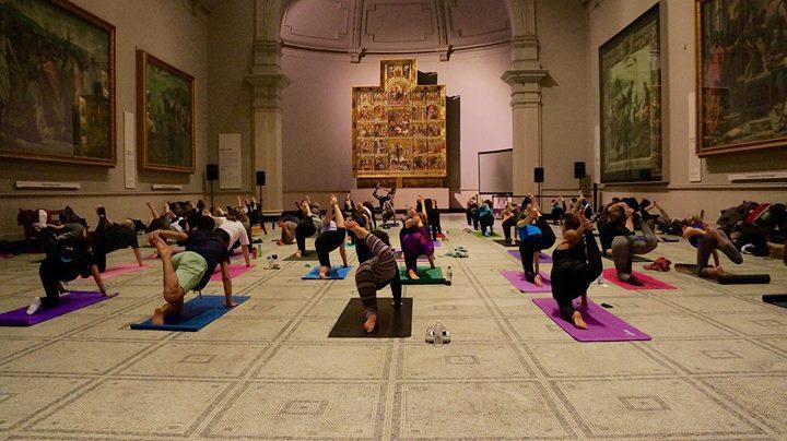 yoga arte museo
