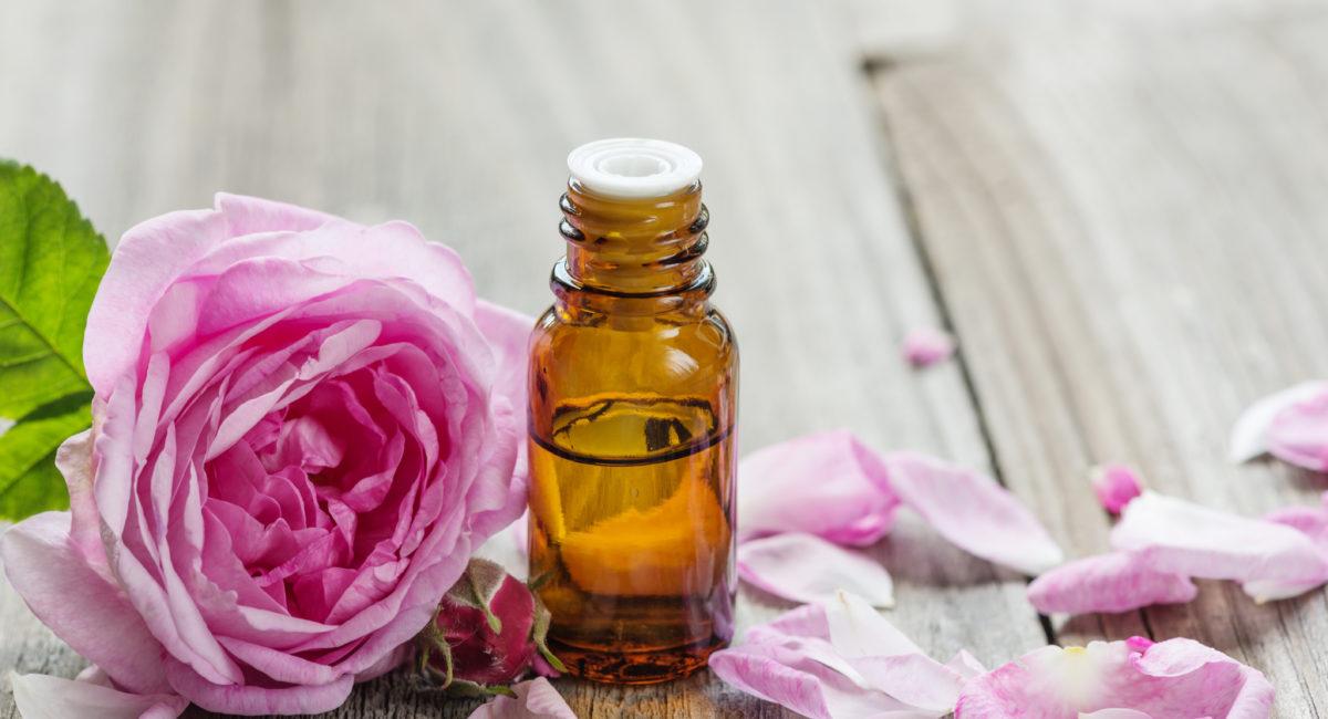 olio essenziale rosa rilassamento psicofisico